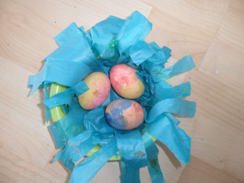 An easter table centrepiece (kids craft)
