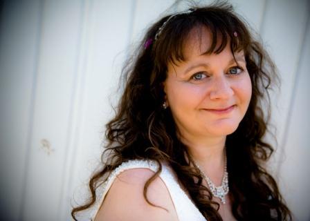 Profile of a Budgeting Mum: Attachment Mummy