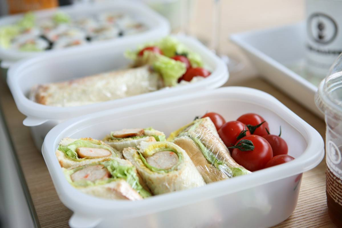 Saving the pennies with a packed lunch