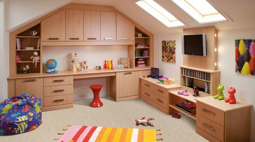 thrifty ways to decorate a playroom