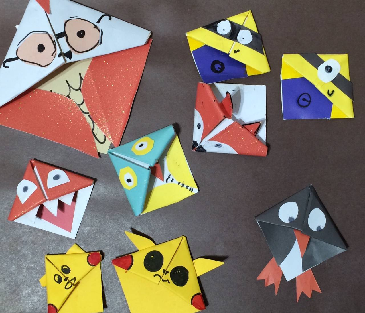 How to make origami paper corner bookmarks