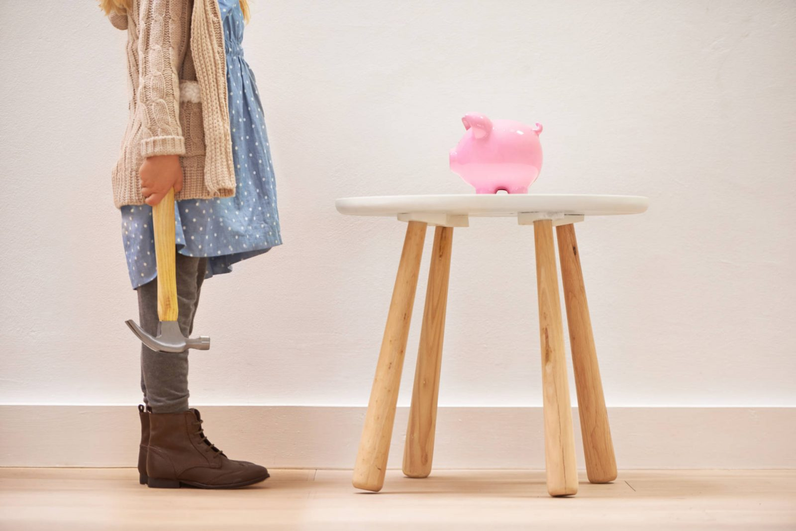5 simple ways to teach your children about savings