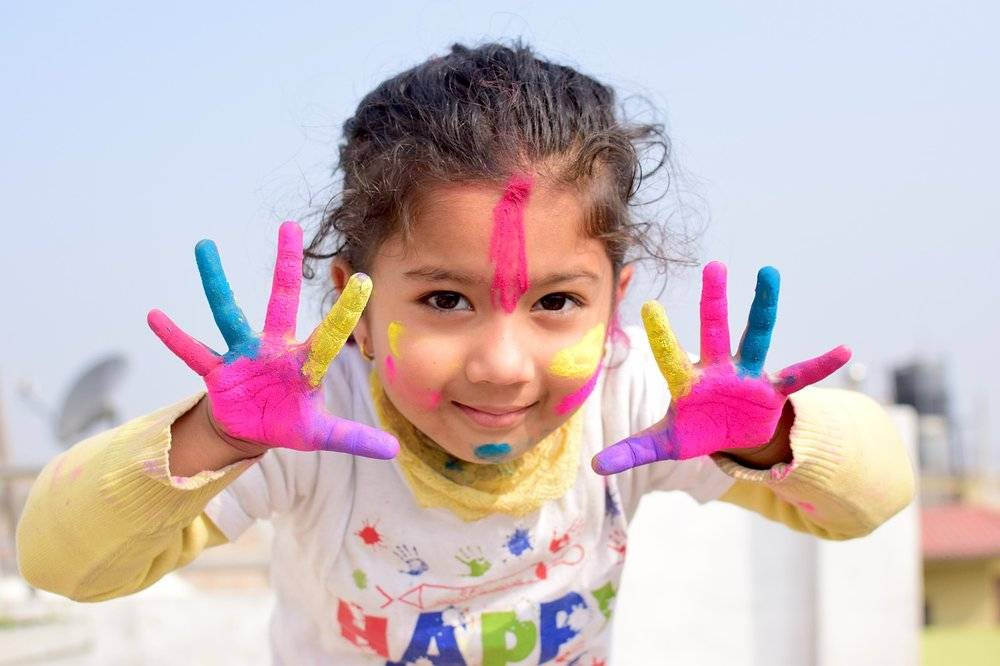 5 ways to learn through messy play