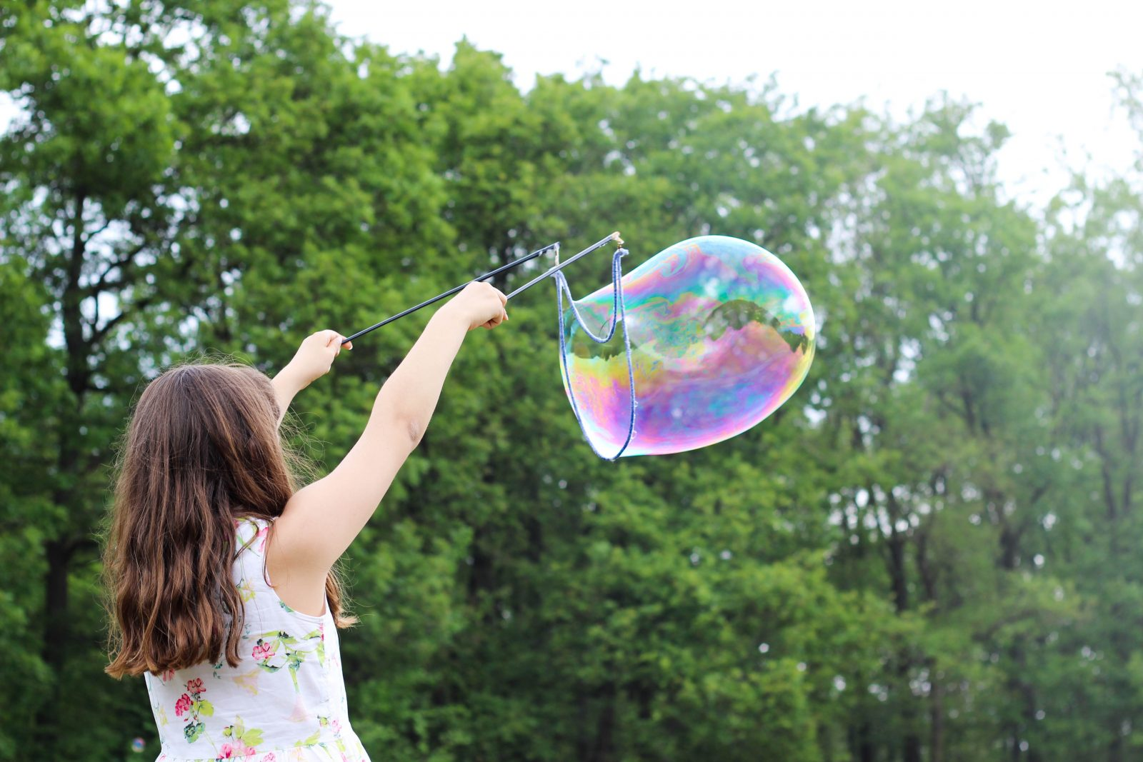 How to Make Homemade Bubbles – Simple and Fun Ideas