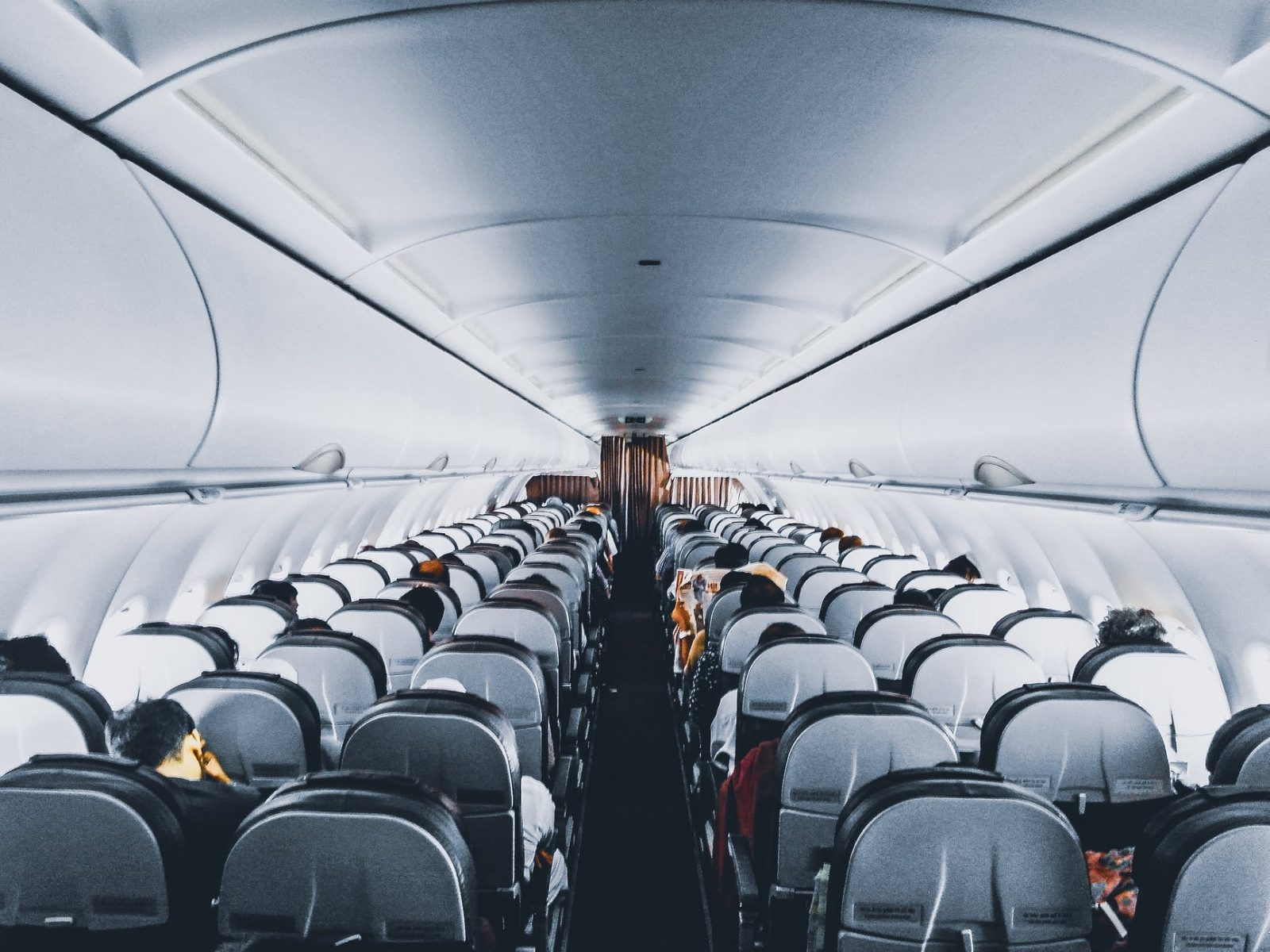 8 Tips for Flying with Toddlers and Young Kids